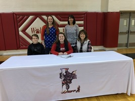 Maddie Smith-Signing